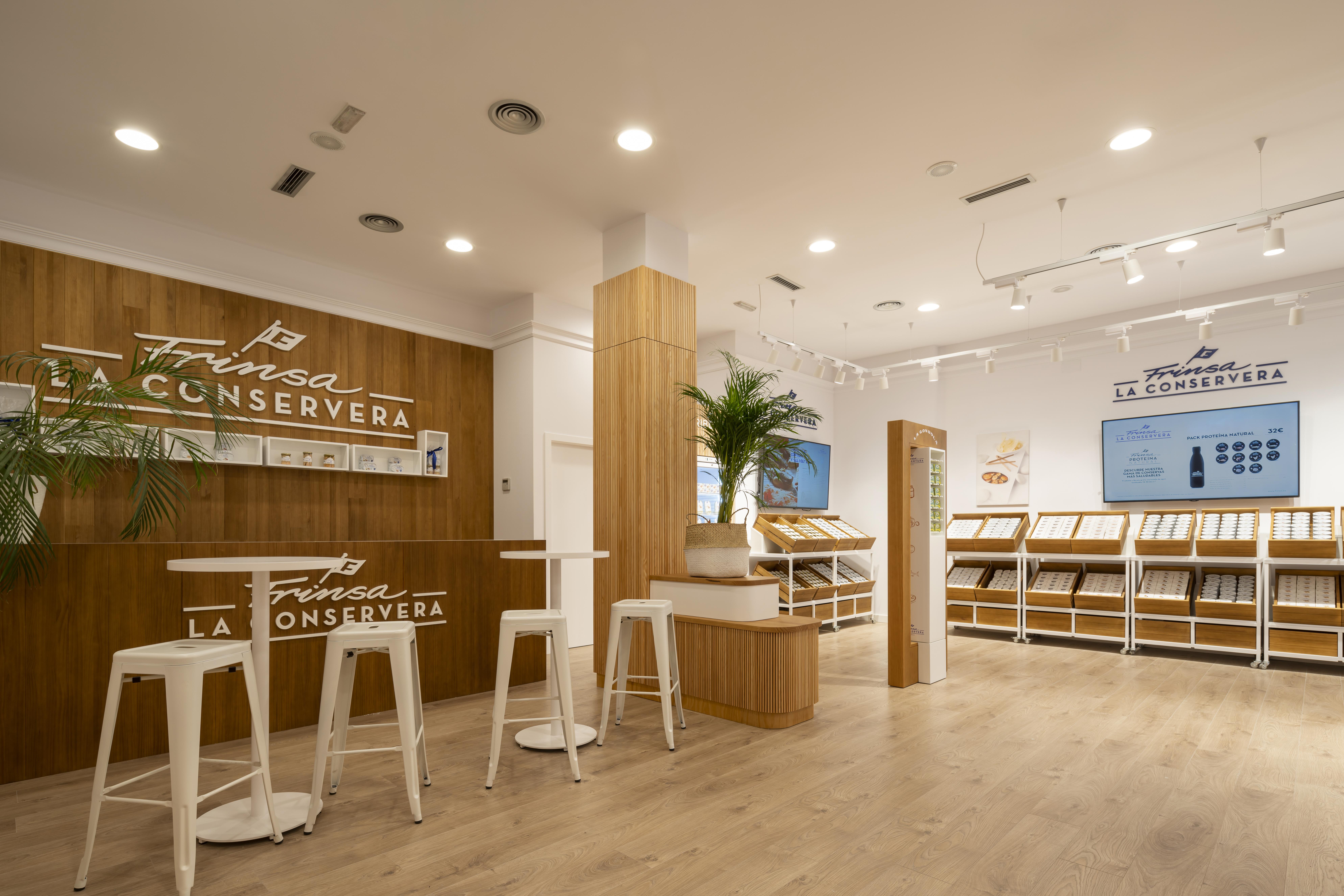 Frinsa inaugura oficialmente su nueva tienda en A Coruña
